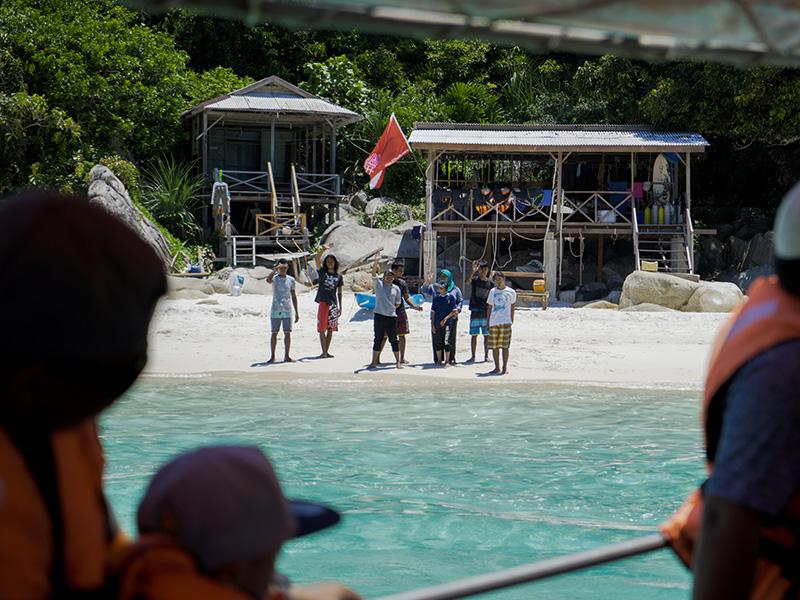 wisana crew & staff
